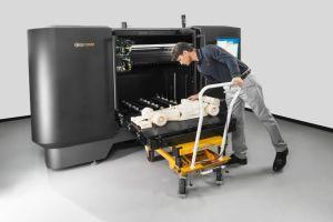 Una de las impresoras 3D pequeñas que hay en cada clase de la universidad Rovira i Virgili .