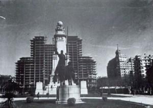 El edificio España en construcción